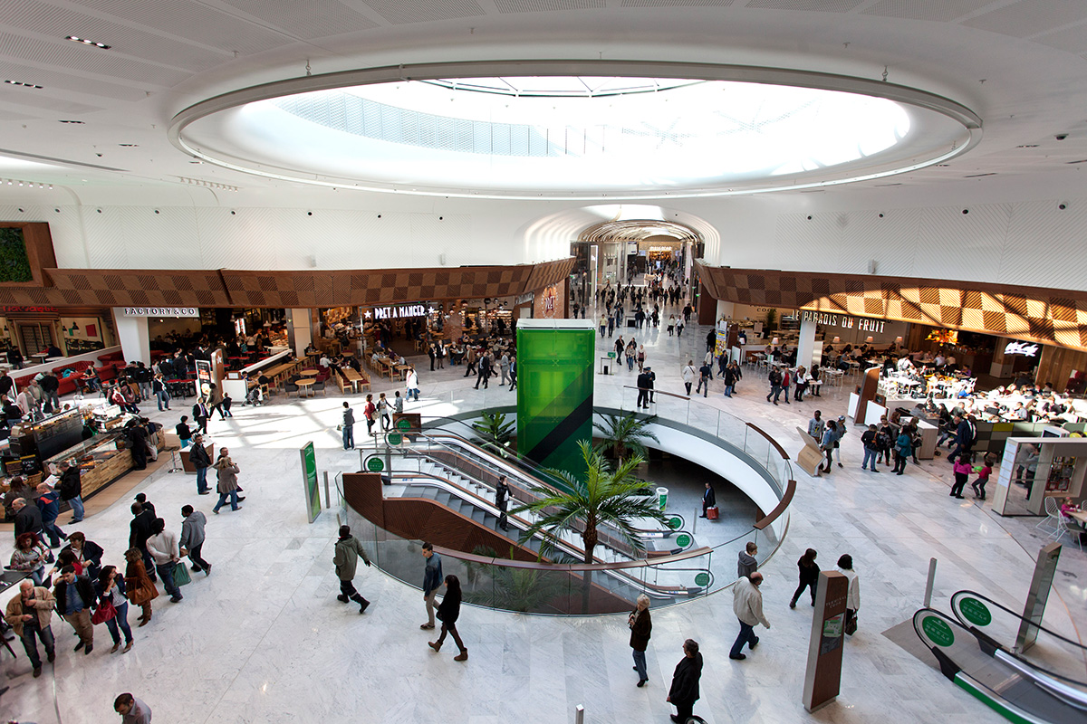 Food court with escalators